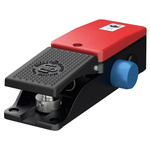 F2 Series Emergency Stop Foot Switch with Cover, 1 Pedal, NO/NC
