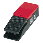 F2 Series Emergency Stop Foot Switch with Cover, 1 Pedal, Maintained Contacts, 4NO/4NC